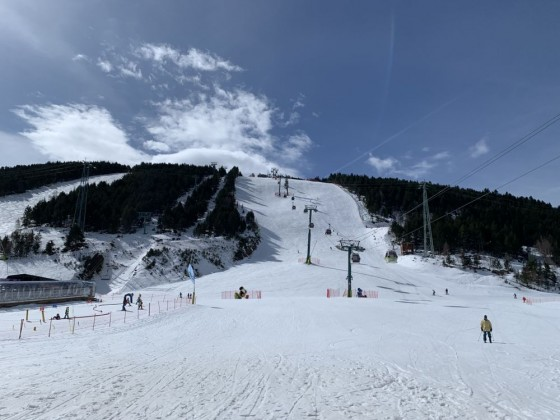 Bottom of L'Avet black run