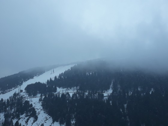 Avet disappearing into the clouds and snow is on it's way in Soldeu