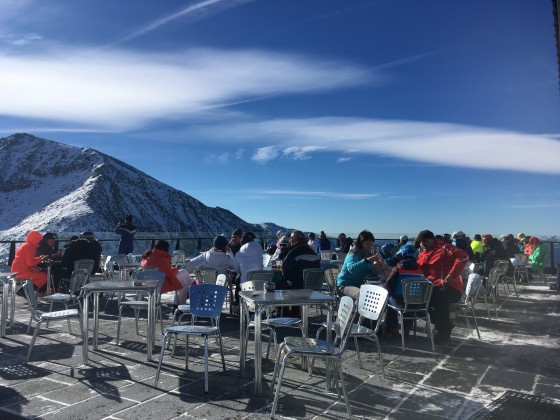 Weekends are best spent in Grandvalira! Colibri snack bar terrace