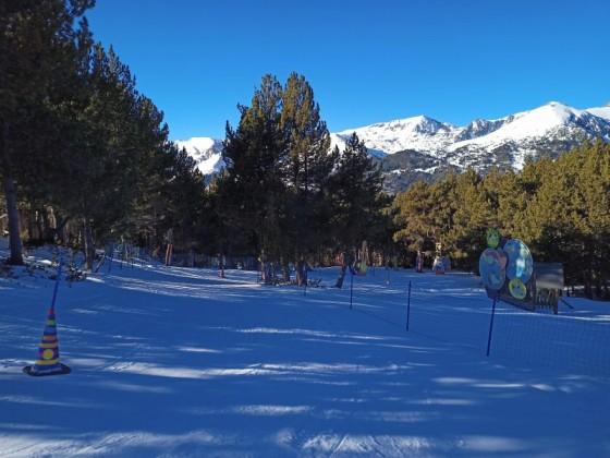 Skiing down the Circus family run
