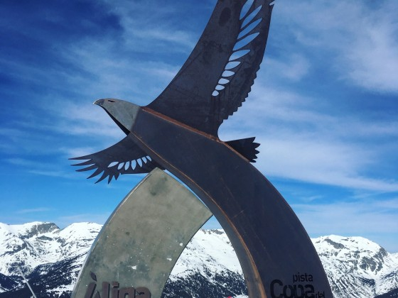 Aliga sculpture, marking the start of the World Cup black slope