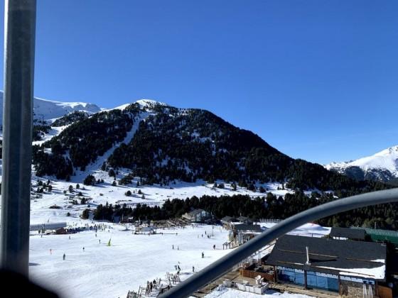 Views of El Tarter apres area