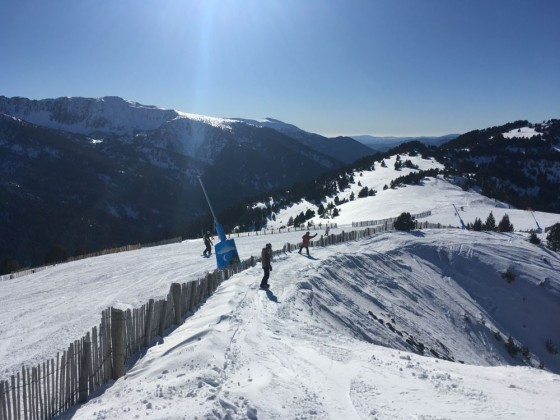 Living life on the edge in Canillo. (Off-piste to the side of Rossinyol blue run).