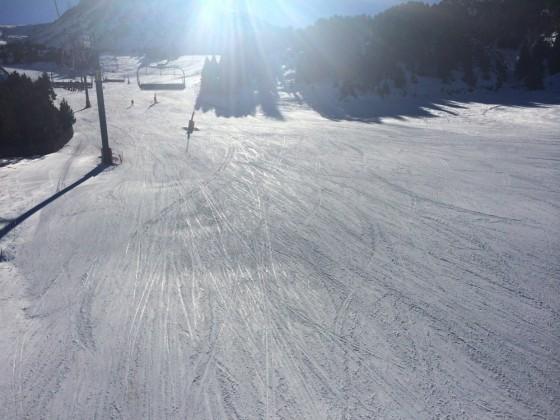 A sunny ski day in El Tarter