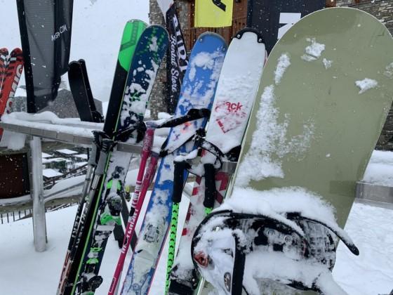 Snow outside Nordic Esports