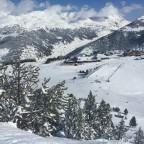 Free ride aera in front of Ski School Soldeu